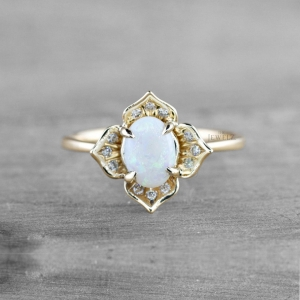 14K Gold Genuine Diamond And Opal Gemstone Delicate Floral Ring Fine Jewelry